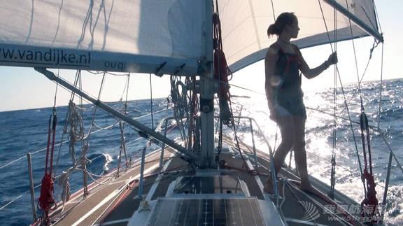最年轻的单人环球航海者Laura Dekker-MINICAT充气式帆船代言人 e0bfa11e8ac22707ff0a7b35fe92721d.jpg