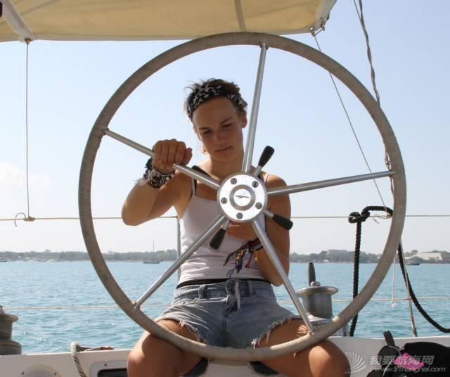 最年轻的单人环球航海者Laura Dekker-MINICAT充气式帆船代言人 3dcd1829af22ce65ba42401c53ba754f.jpg