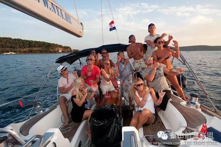 当电子音乐节遇上帆艇派对,还等什么?夏天的克罗地亚 4178df2a46ecbf70c80b9675aec39dec.jpg
