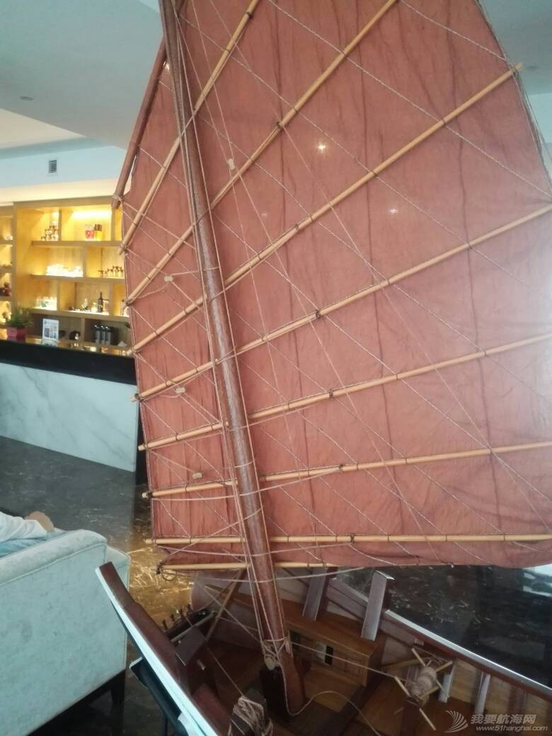 浙江大学海洋学院的中式帆船模型 105250wvl8dqrzilvdada6.jpg