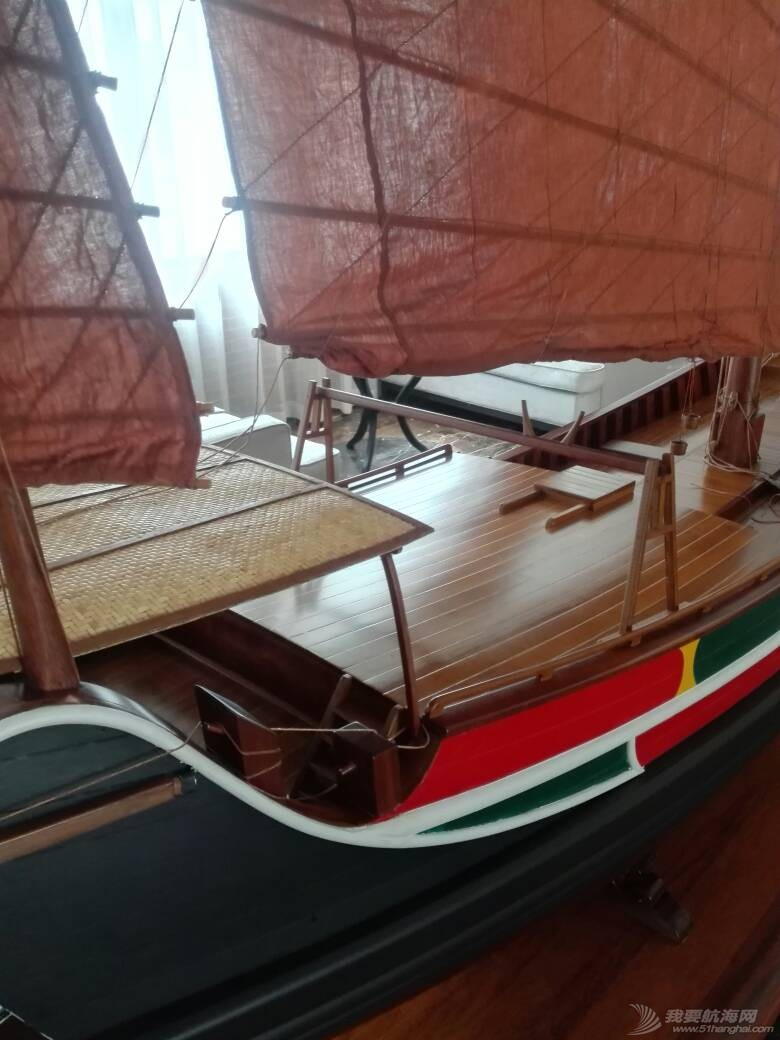 浙江大学海洋学院的中式帆船模型 105251mkbuxdjtb9bs055s.jpg
