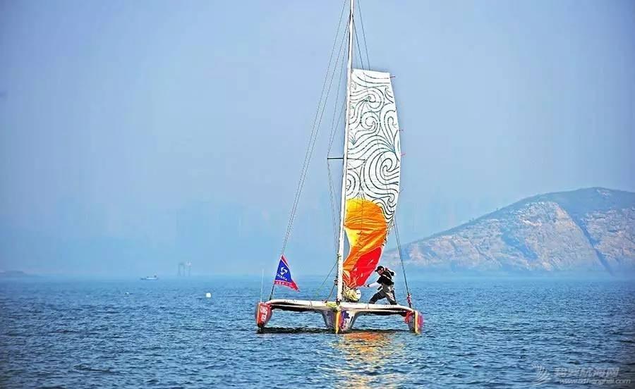 中国航海家王家凌海上遭遇惊魂4小时,绝望之时他遇到一艘如东渔船…… 1d2290c10f335c7b7adf37ae5a4787d5.jpg