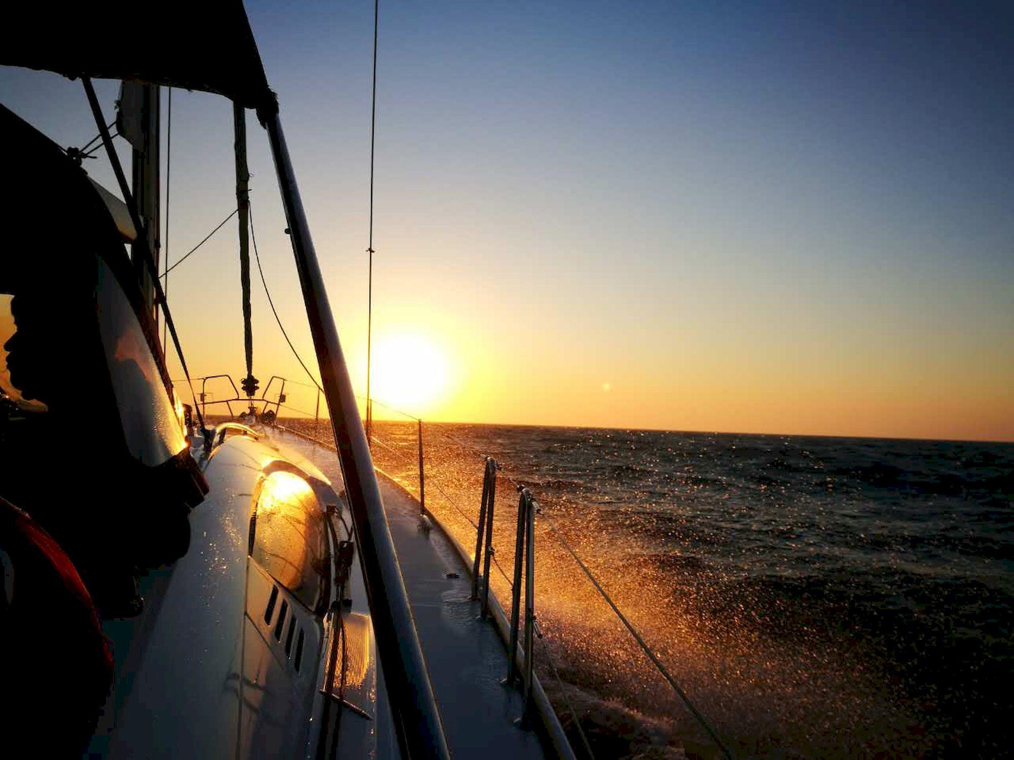 新西兰,跆拳道,俱乐部,拉力赛,青岛 向着太阳升起的地方出发:记第一次跨国远航-千航帆船-51航海网队-2016威海仁川 030-IMG_3579_千帆俱乐部我要航海网帆船队-2016威海-仁川国际帆船赛.JPG