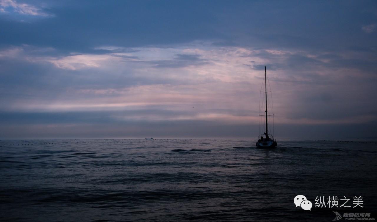 当船身在剧烈摇晃,我用最后一格电,记录下此刻所想 a59ffc3c3833bdd9f0385a534b236606.jpg