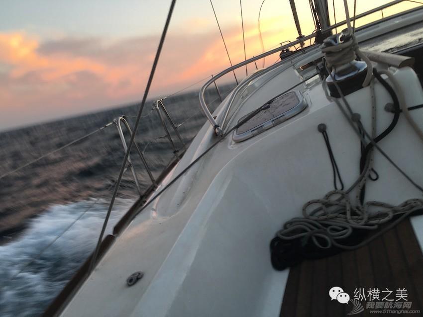 当船身在剧烈摇晃,我用最后一格电,记录下此刻所想 3df3ce038808b1096bd49adac48062cd.jpg