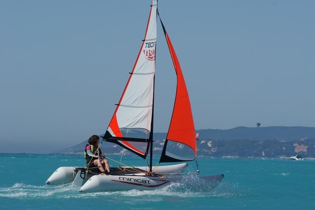 【帆船知识】帆船初学者选择双体船的原因 3d785a7109b3b230b3691a7d048b35fa.jpg