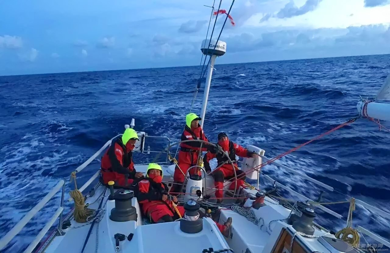 海大人在世界级帆船大赛舞台上大显身手 4b36101b5ee795a33749e06bda413f96.jpg