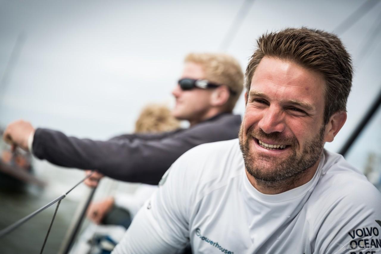 沃尔沃环球帆船赛宣布2017-18赛季首支参赛船队:阿克苏诺贝尔队 8298c375ed43eb49828db53bc47a0a4c.jpg