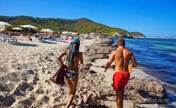 世界上十个最香艳的裸体海滩 8274509bba326c2e72a43ce5a08f7702.jpg