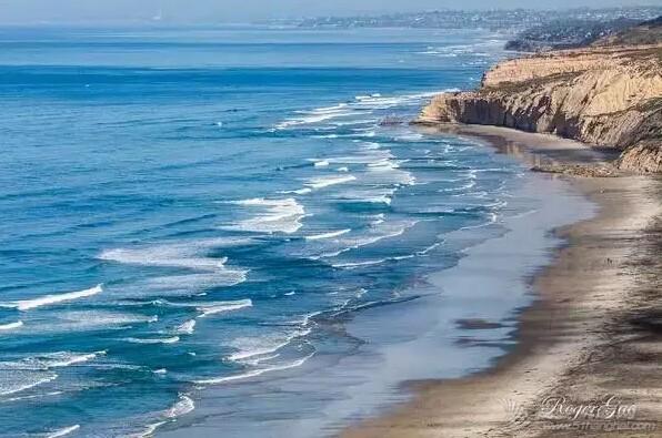 世界上十个最香艳的裸体海滩 8fd1b70280e22fcd27200146cf24382a.jpg