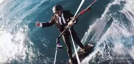 Alex Thomson: 从纽约—旺代单人航行帆船赛到旺代环球帆船赛 7e79477370d9a77b2082dab72e99cd35.jpg