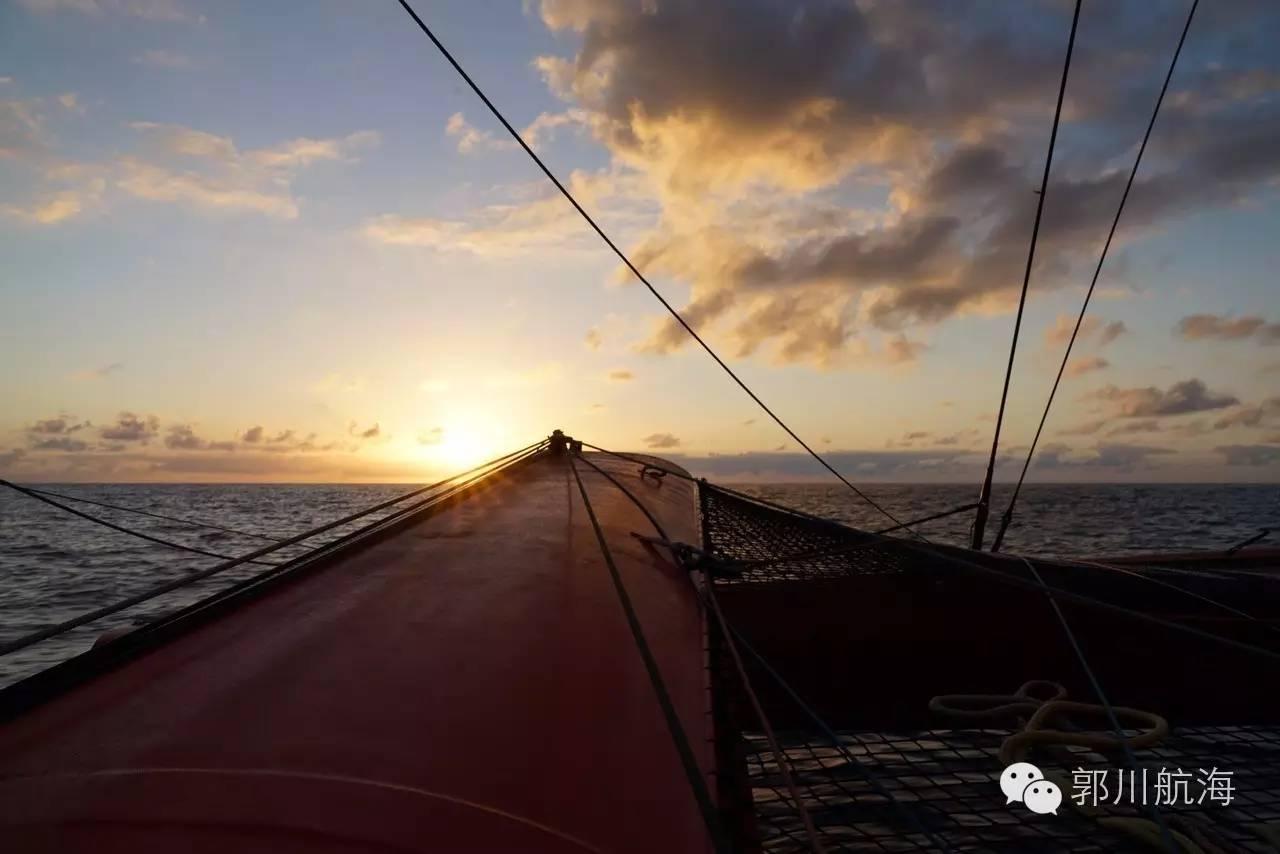 川越大西洋,航向里约。---郭川航海日志连载 fb0b9f36eee5d55b9aa280e6a802dddd.jpg