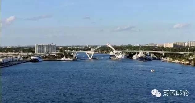 佛罗里达的邮轮母港 1ca5f085c563b804bc06cc9c192111ba.jpg