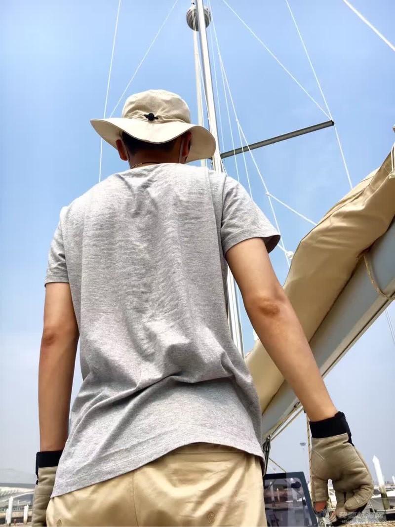 太艰辛… 船上没空调!买船,一定要装空调! 090556rnqsxsklw79zj6pl.jpg