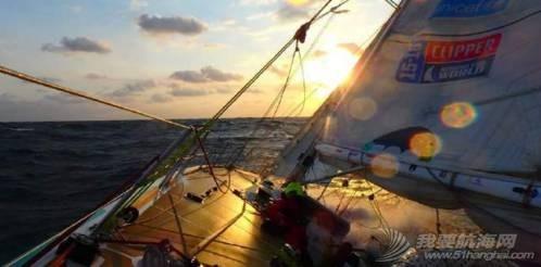 克利伯环球帆船赛|暴浪里的狂欢,爱与美景不可辜负 8e49cd302b4846cc711df9b1106077c6.jpg