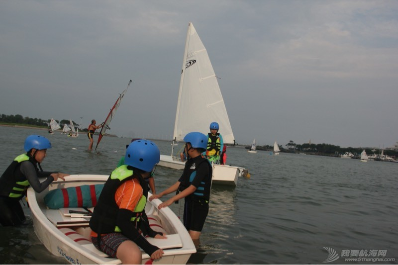 小小帆船 203757bw8i8yc4ld2812t2.jpg