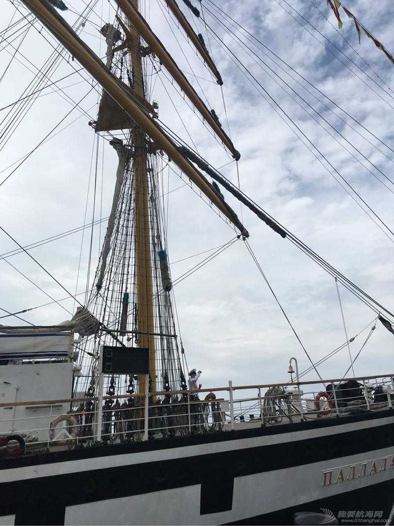 到青岛看俄罗斯的大帆船 113217tti27jshuhh5e1z1.jpg