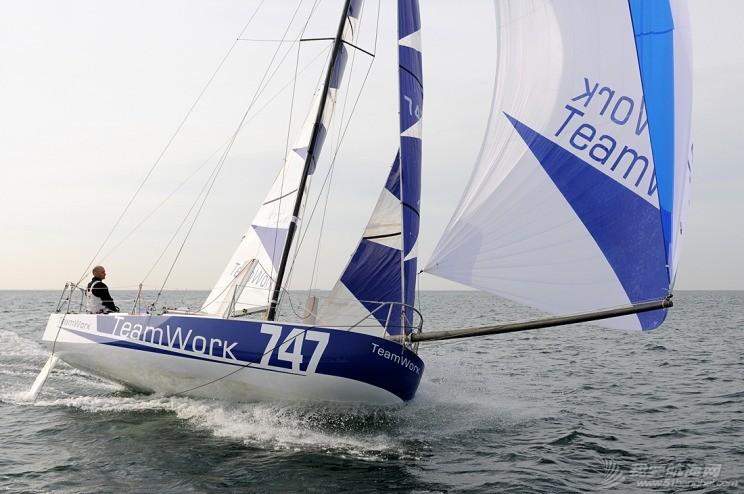 帆船 4.9m竞速帆船 Mini%20raison%20Loris%20Von%20Siebenthal.jpg