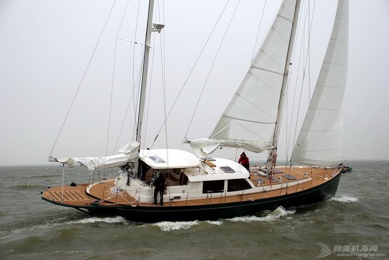 帆船 理论上1-2个人能驾驶一艘双桅帆船么 side.jpg