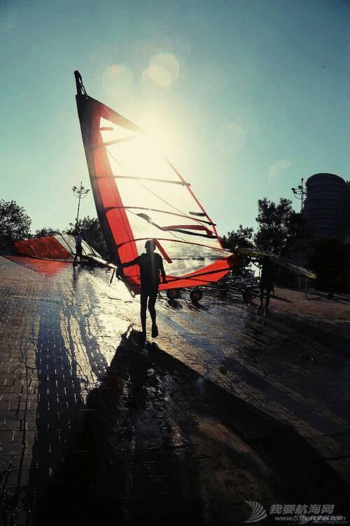 流动的帆影