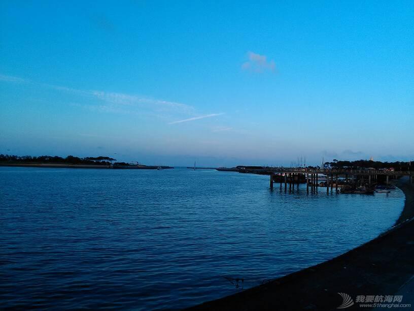 世帆赛基地,惬意的蓝调…… 142004lhrr8ll02h8d06bx.jpg