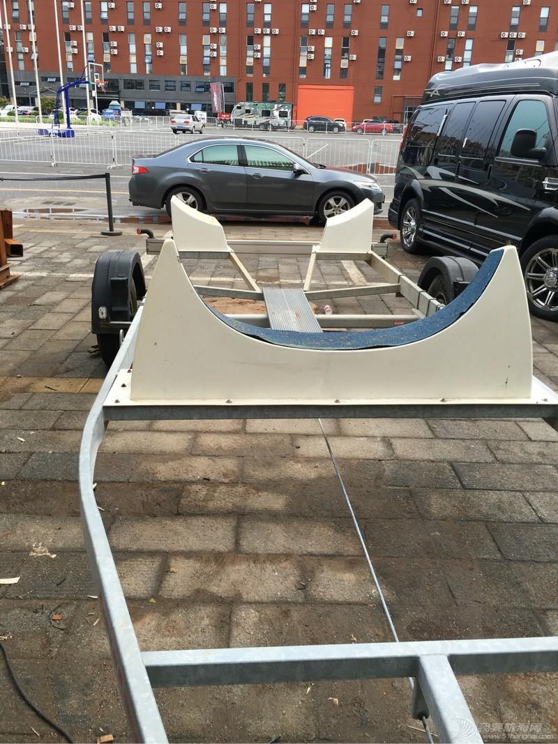 这个拖车不错适合没泊位的朋友  拿去不谢! 012110limgo6dgdrddszgv.jpg