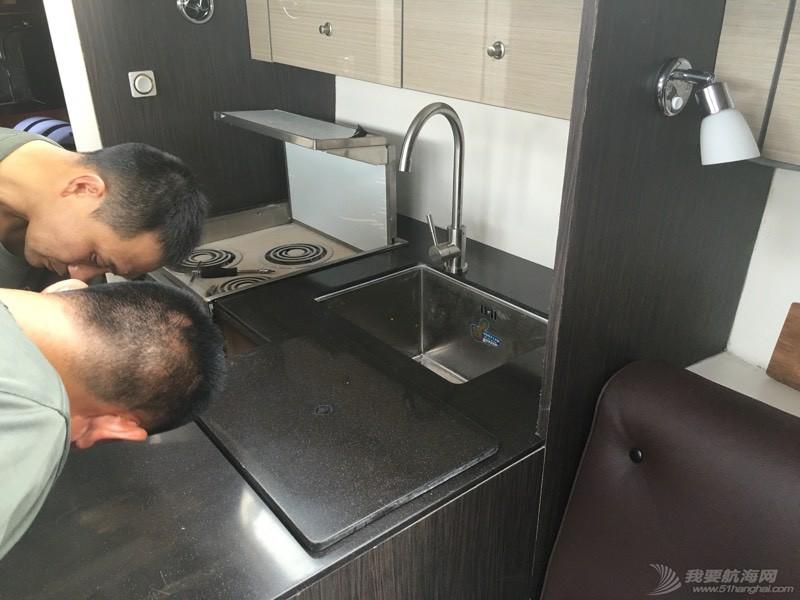 厨房台面基本完工 115536qsg281vlokc7kz8l.jpg