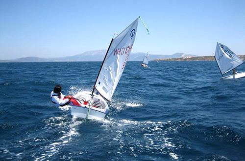 远航帆船与竞技帆船的区别 e9a6380e3f468111acb67b1f0a8e406c.jpg