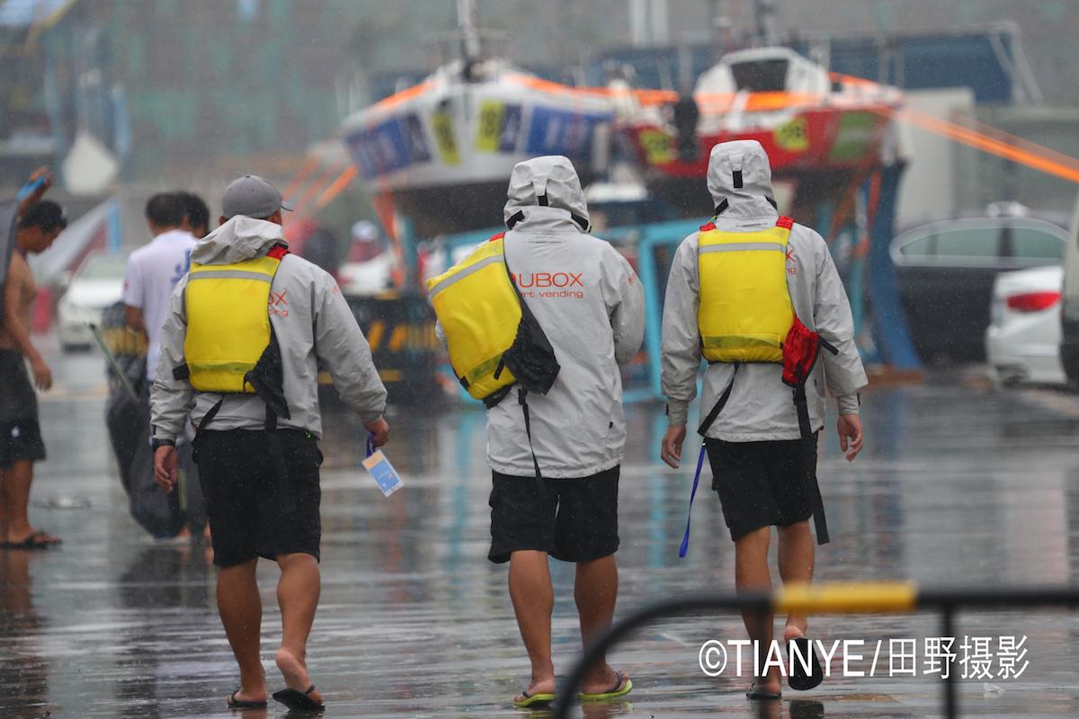 厦门 帆折人不折  厦门俱乐部杯帆船赛如期开赛--田野摄影 AG3I1562副本.JPG