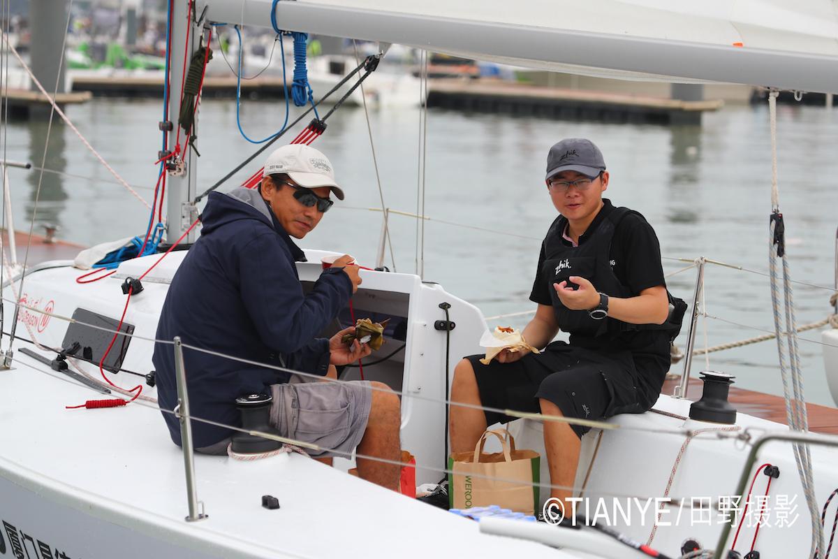 厦门 帆折人不折  厦门俱乐部杯帆船赛如期开赛--田野摄影 AG3I1862副本.JPG