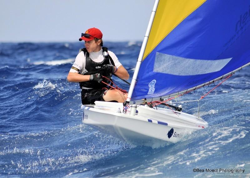 全球最受帆迷欢迎的Sunfish! 014332zx1z3qp358p2x6nn.jpg