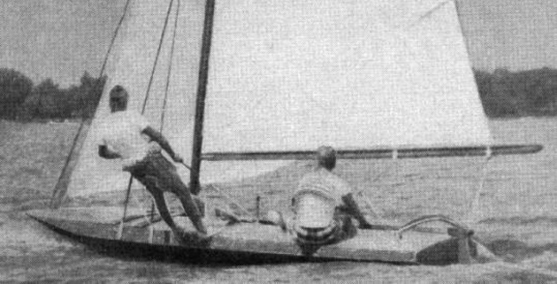 三張滑行planing dinghy Manu0.jpg
