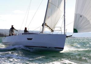 2017年最佳游艇提名 Elan-E4-300x212-1-1-1-1.jpg