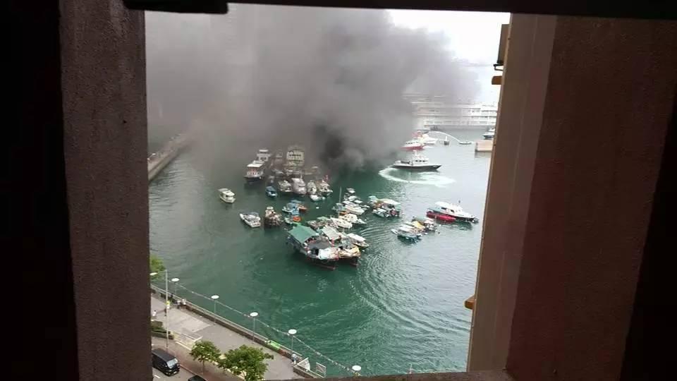 有限公司,起火原因,救护车,消防员,避风塘 香港筲箕湾又一18米游艇起火焚毁|游艇消防不可不查 0f7c0c1561fec0ec669c457a666d7420.jpg