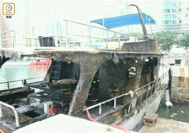香港筲箕湾游艇着火焚毁 000712m2tvnegenlojztt5.jpg