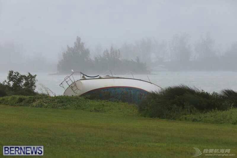 """十月十三日,飓风""""妮可""""重创百幕达。 103044djjej1ejjkcnlzyk.jpg"""