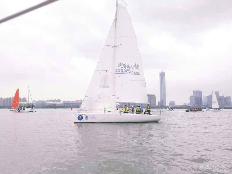 寻找遗失的帽子—记我的第二届金鸡湖帆船赛 233154ogijiiv16sz77vbb.jpg