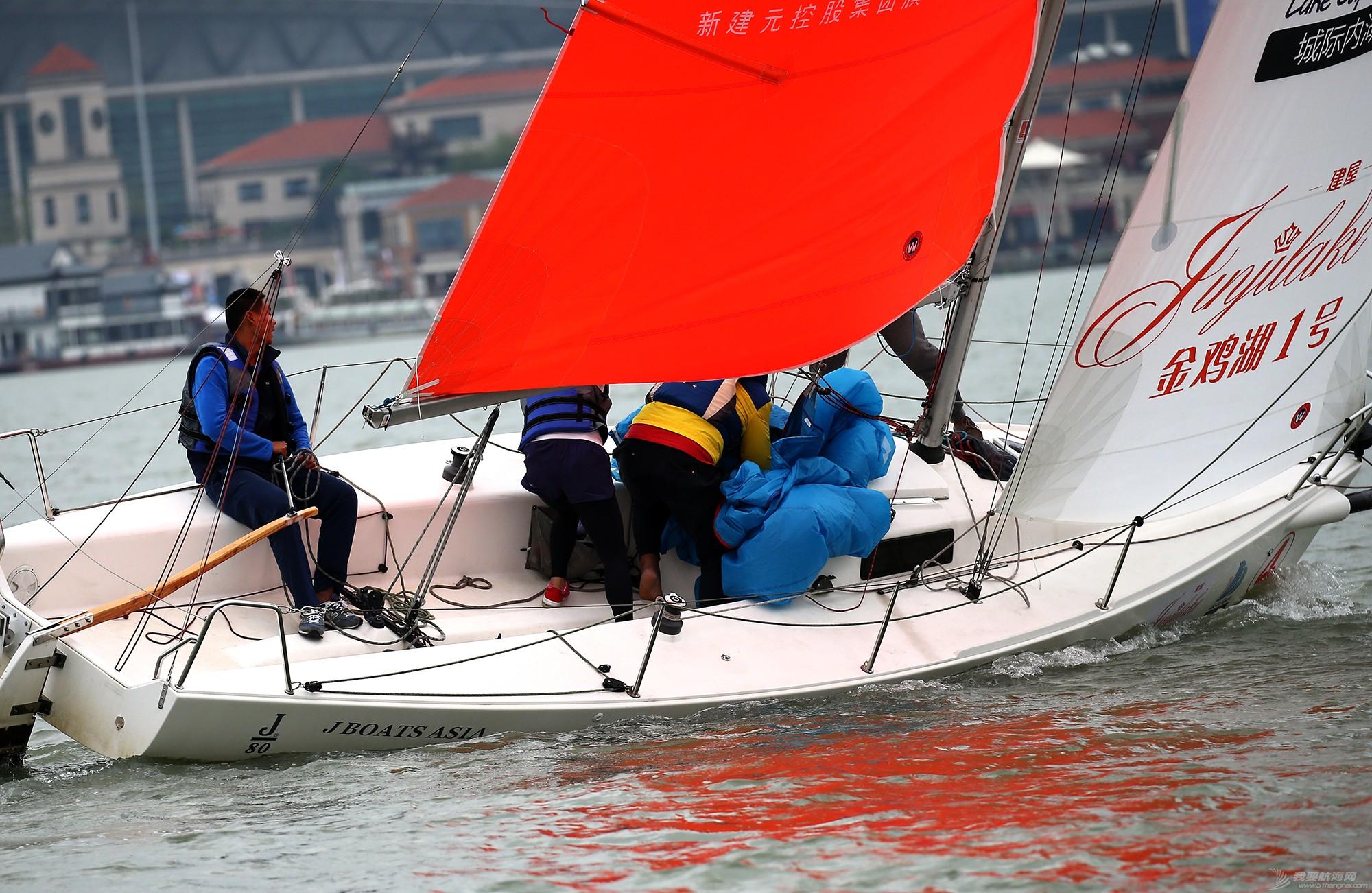 帆船,空间 帆船是灰度空间里跳动的彩色音符 E78W8083.JPG