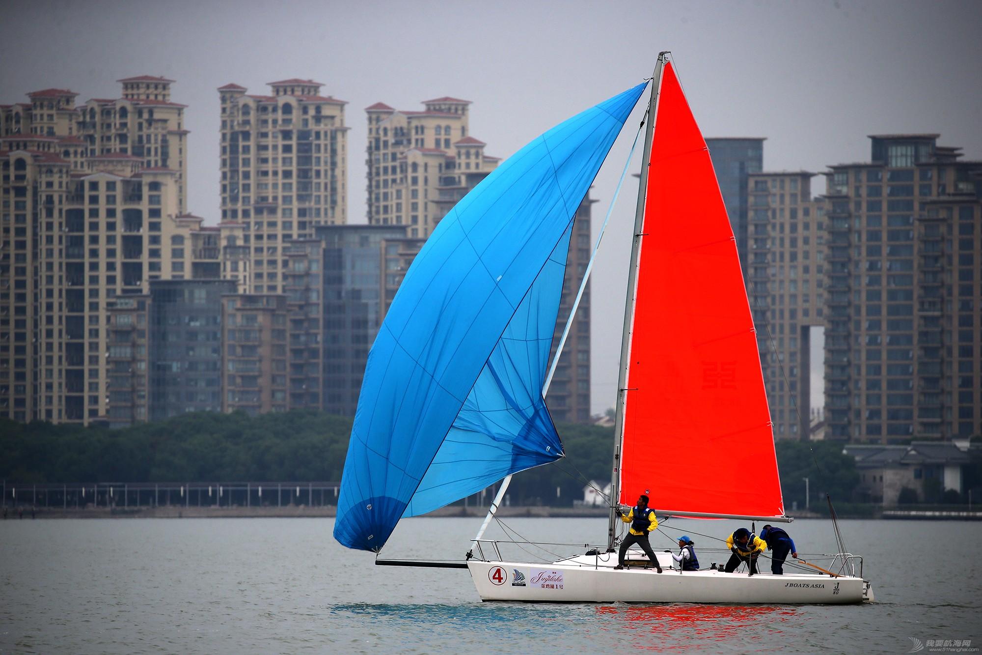 帆船,空间 帆船是灰度空间里跳动的彩色音符 E78W8463.JPG