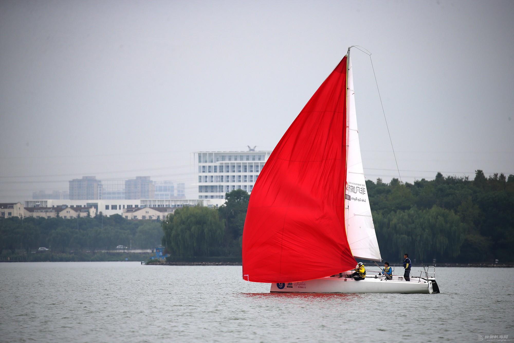 帆船,空间 帆船是灰度空间里跳动的彩色音符 E78W8563.JPG