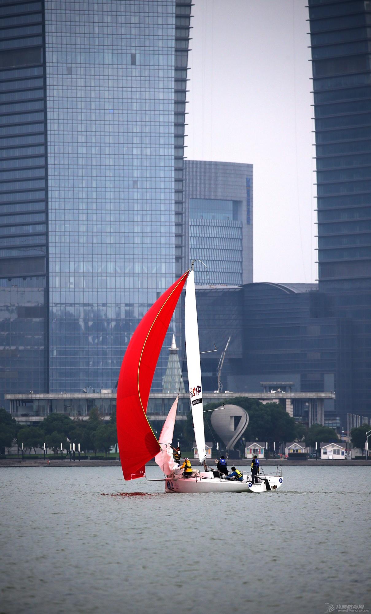 帆船,空间 帆船是灰度空间里跳动的彩色音符 E78W8582.JPG
