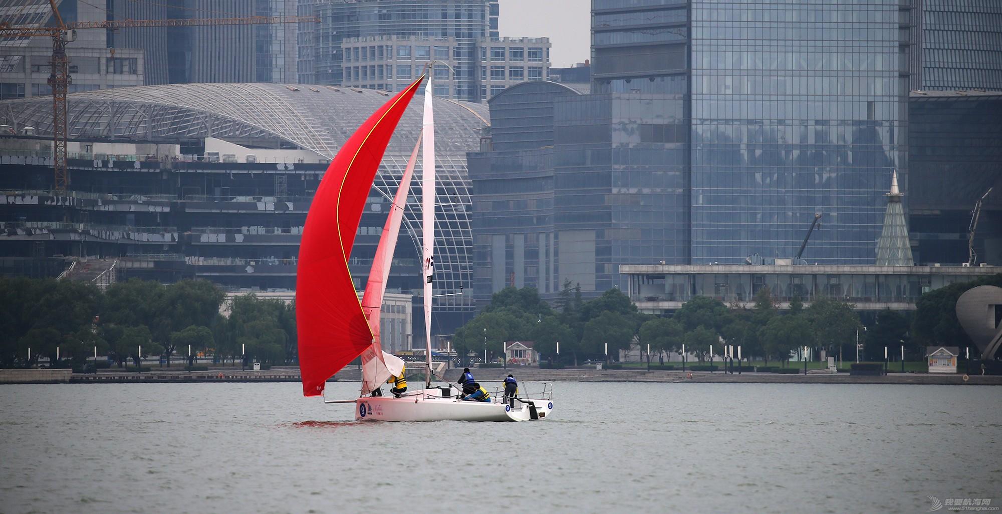 帆船,空间 帆船是灰度空间里跳动的彩色音符 E78W8591.JPG