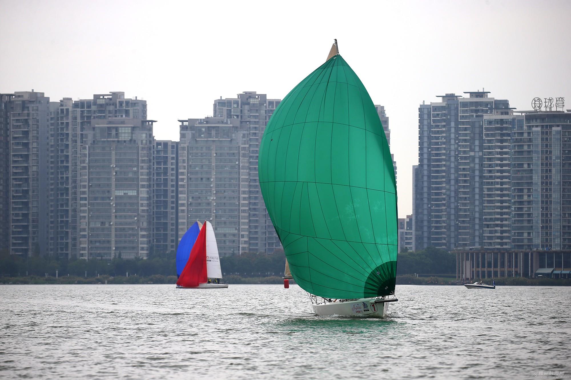 帆船,空间 帆船是灰度空间里跳动的彩色音符 E78W8919.JPG