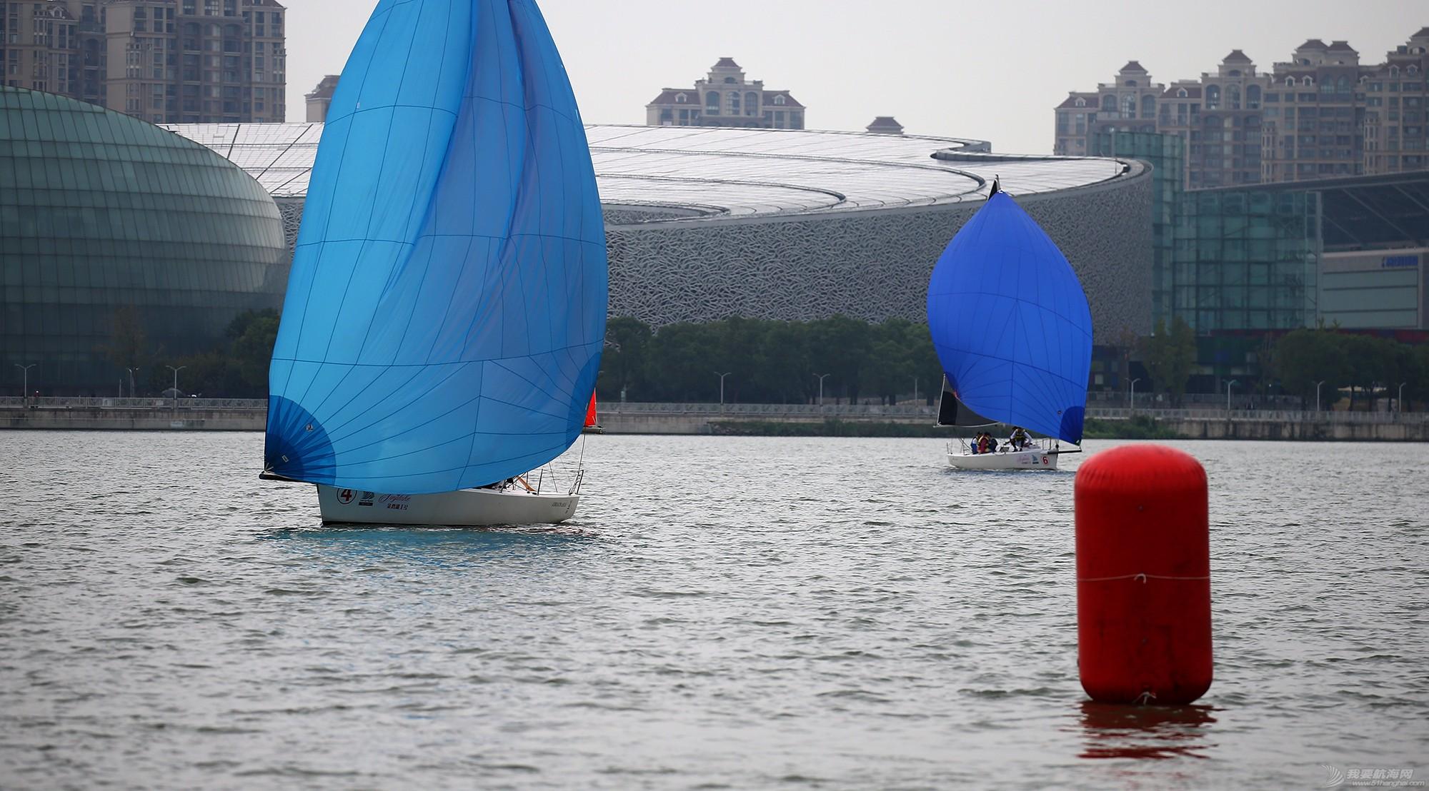 帆船,空间 帆船是灰度空间里跳动的彩色音符 E78W8940.JPG