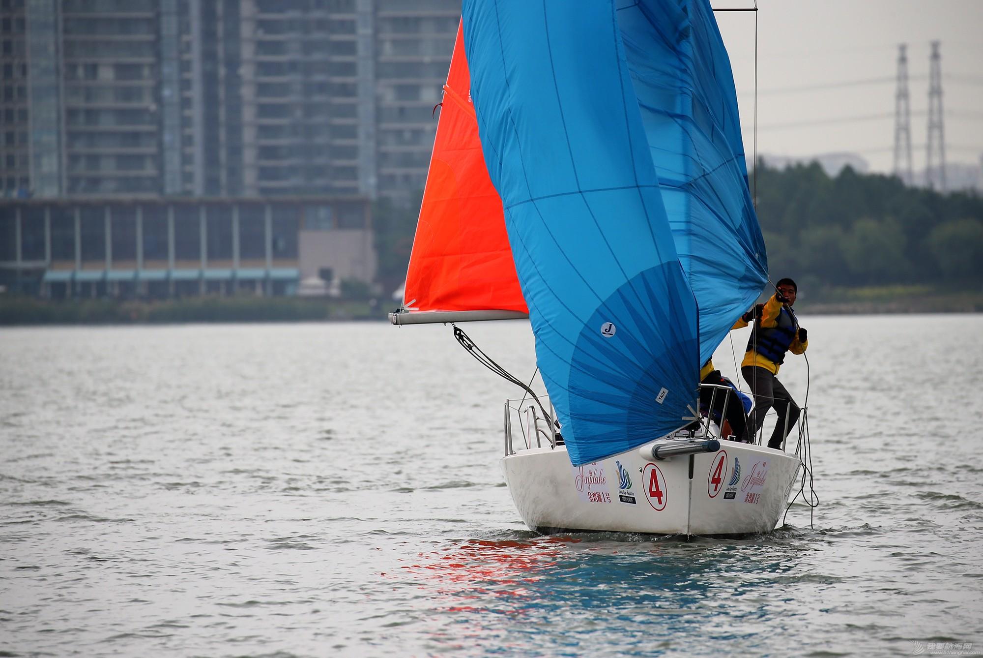 帆船,空间 帆船是灰度空间里跳动的彩色音符 E78W8949.JPG