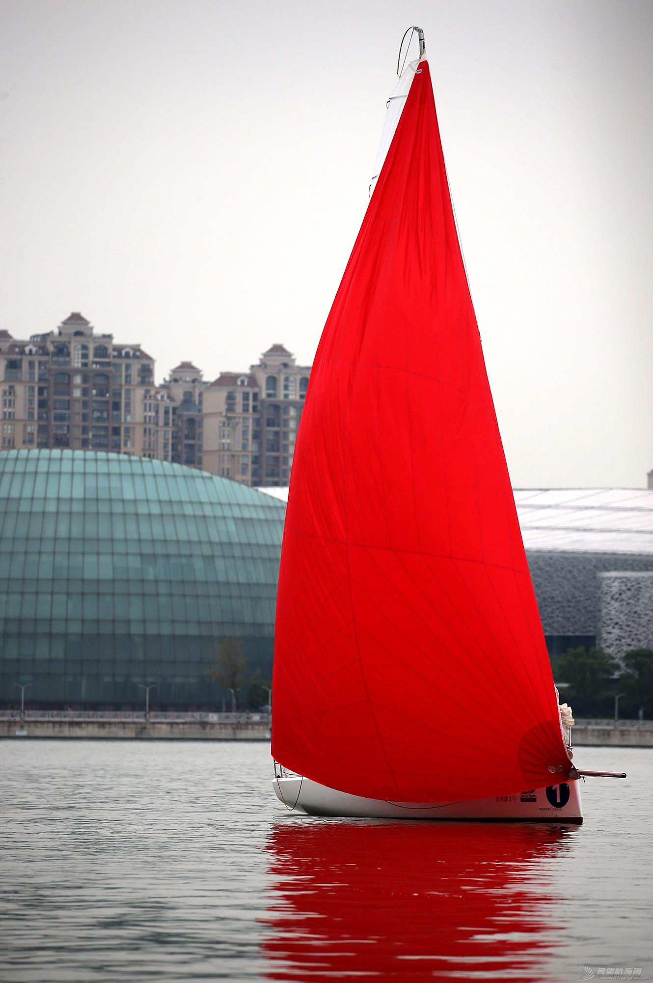 帆船,空间 帆船是灰度空间里跳动的彩色音符 E78W9698.JPG