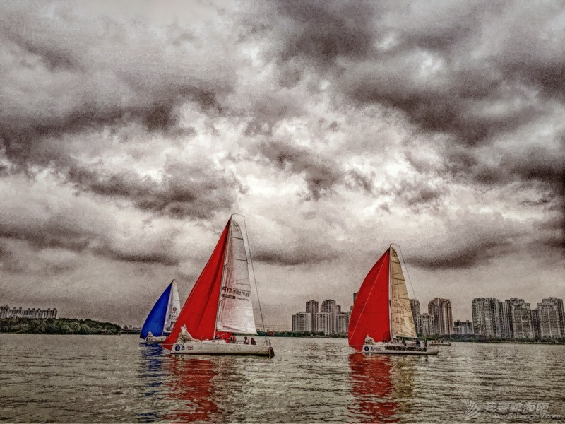 第一次玩帆船 180231loondrwfqqrol9ed.jpg