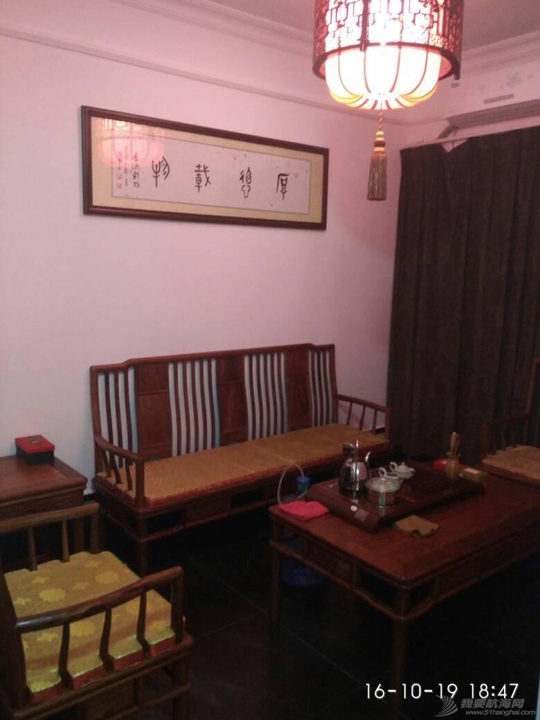 广州小洲艺术村客家围里的马尔代夫金枪鱼和阿根廷红虾做出大厨水准。 190724c6bx8eqtip86t6tv.jpg