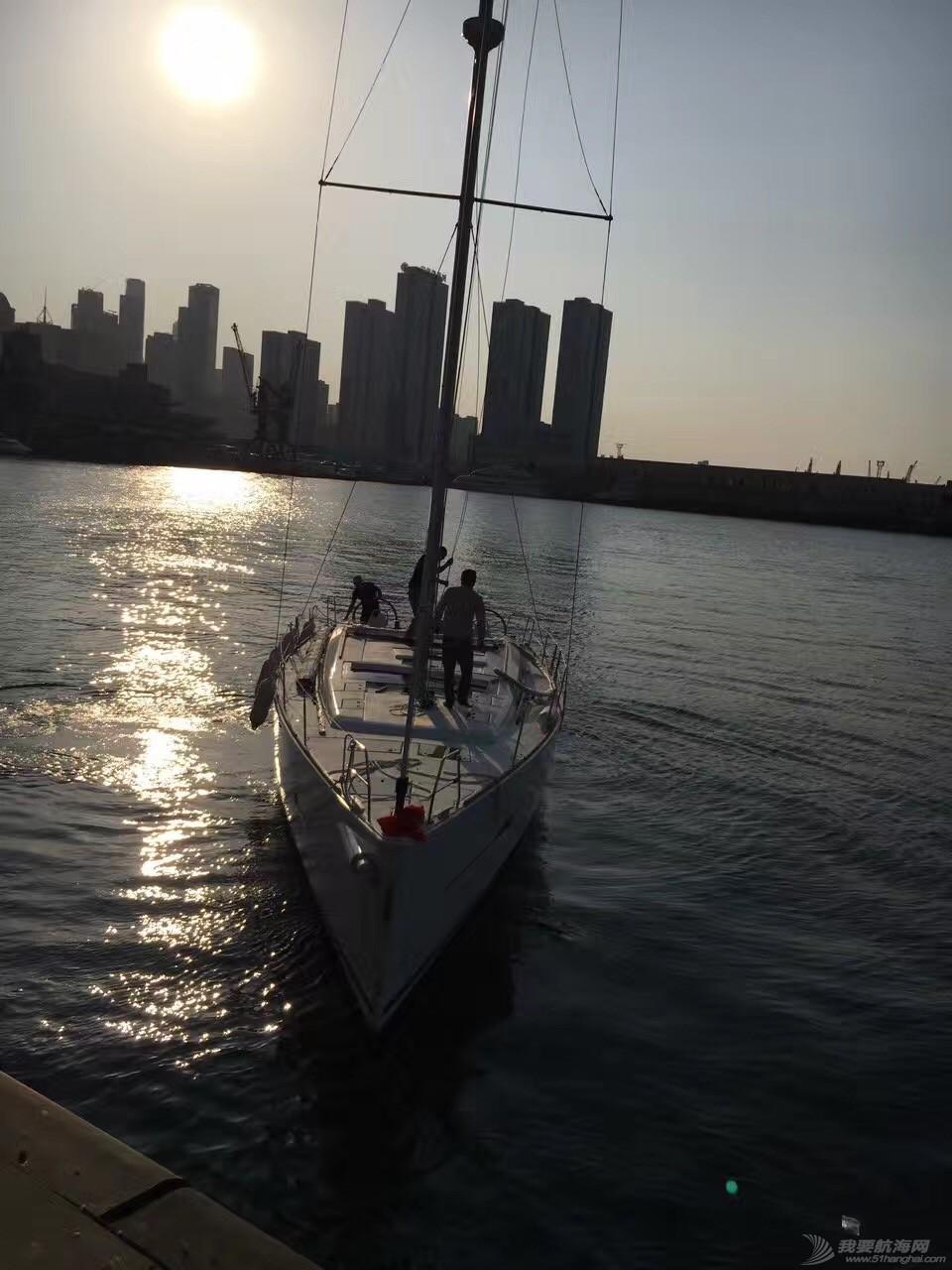 法国,帆船 51尺法国DUFOUR大帆船到港安装桅杆 webwxgetmsgimg