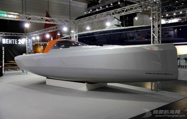 好想有这么一艘船,能够糅合美贵格26和珐伊26的所有优点 BEN24_starboard_Dusseldorf-Boat-Show.jpg
